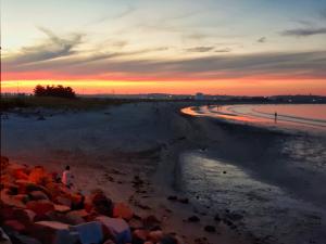 21B. Nahant Sunset by Mary Lynch